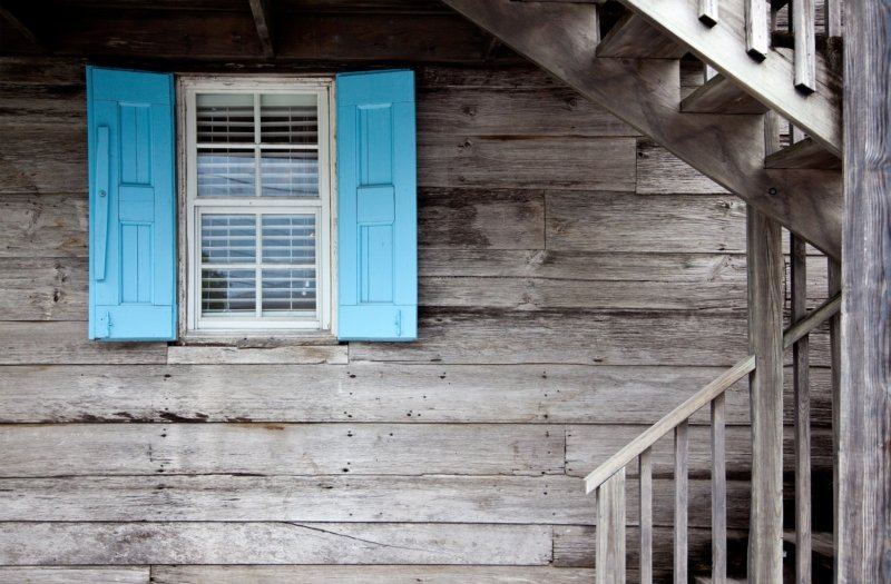 4 THINGS TO LOOK FOR WHEN BUYING A FIXER UPPER