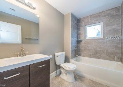 28 North Hillside Ave, Roxbury (Bathroom)