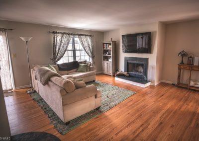 4 Cottage Court, Berkeley Heights (Living Room)
